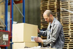 7_Skills_and_Qualities_Candidates_Should_Have_for_Warehouse_Positions