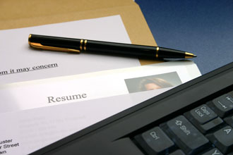 How-to-Stand-Out-to-an-Employer-During-Your-Job-Search.jpg